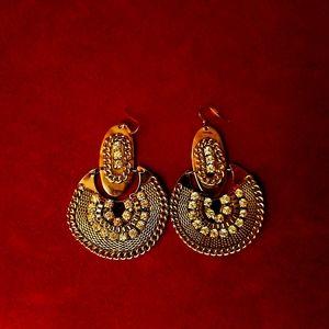 Fashionable Silver and Rhinestone Drop Earrings